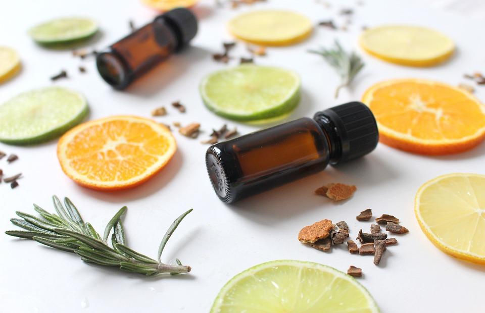 aceites naturales de romero y almendras
