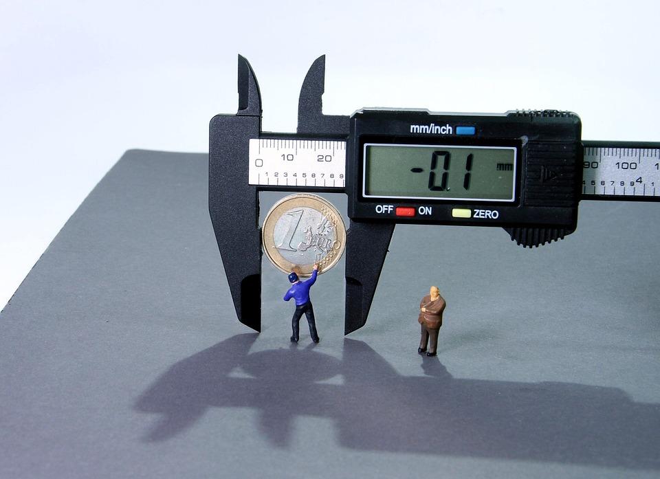 Calipers, Minus Interest, Miniature Figures, 1 Euro