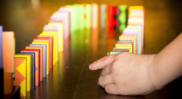 Experiencia wow dominoes Causa y efecto