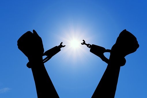 自由, 破る, 手錠, 幸福, 解放, 終了, タバコ, 空, 太陽, チェーン