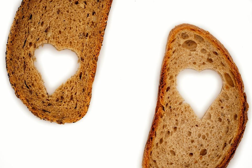 Pan, Rebanada De Pan, Trigo, Trigo Integral, Corazón
