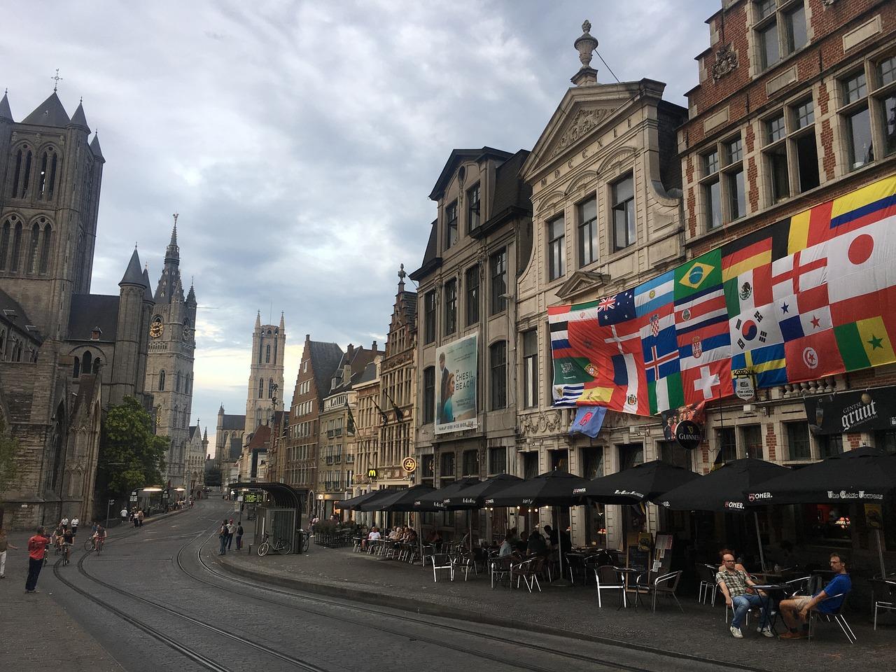 счастливым бельгия г гент мэр города фото протестует