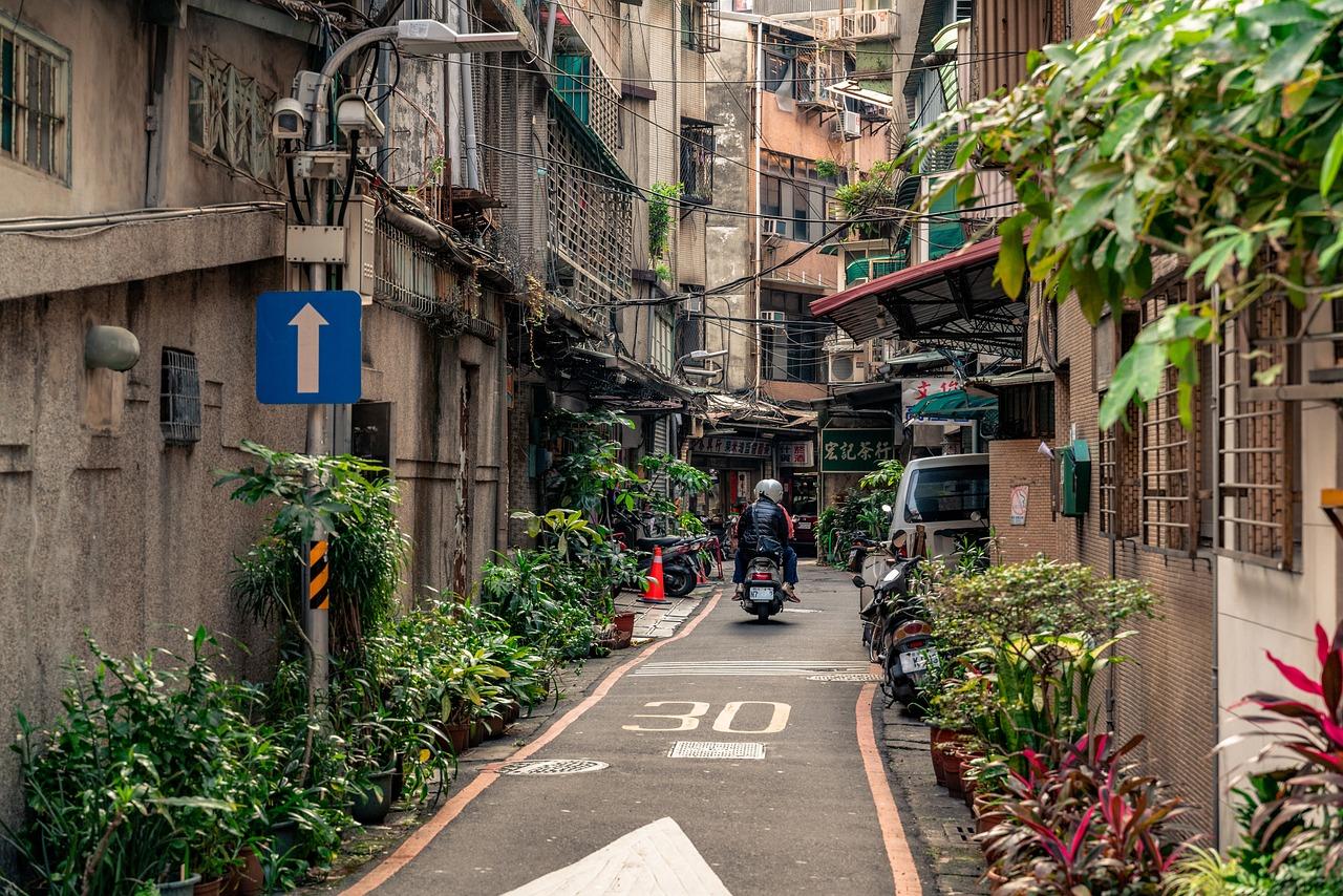 ▲台北老房比例高,不僅使市容看起來老舊,民眾居住的安全也成一大隱憂,政府近年來持續推動老房的都市更新。(示意圖/翻攝自 Pixabay )