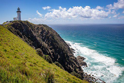 Top 10 Bays in Australia to Relax in 2020, Cape Byron Lighthouse