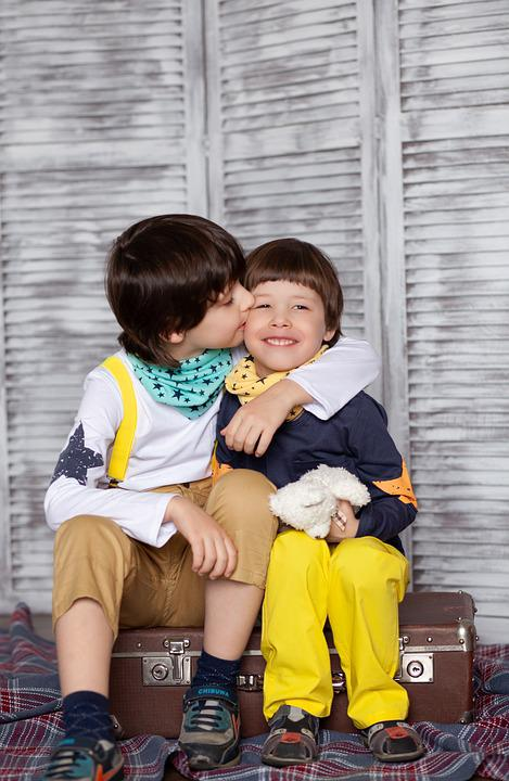 Kids, Kiss, Brothers, Childhood, Baby, Friendship, Boys