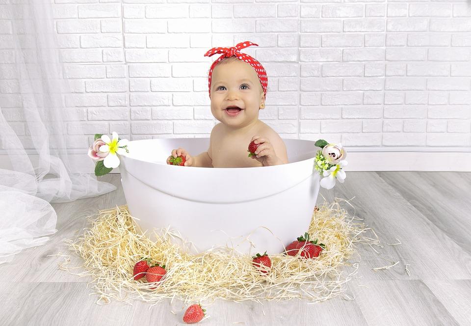 Erdbeeren Mädchen Bebe - Kostenloses Foto auf Pixabay