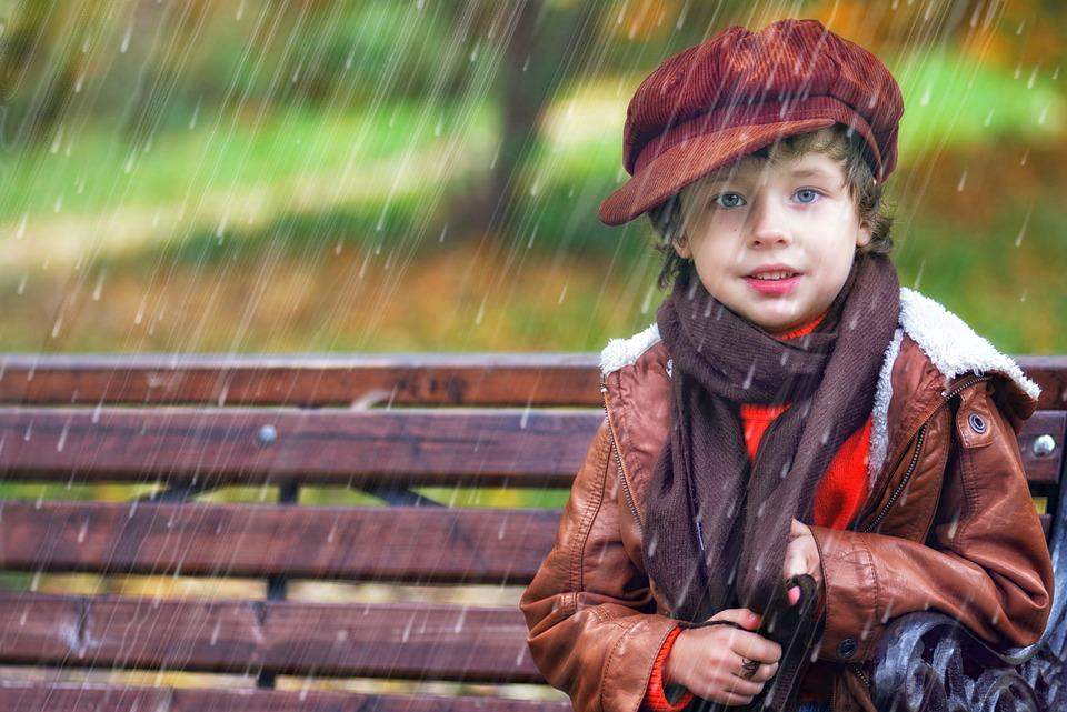 雨, 少年, 赤ちゃん, 秋, 春, 子供, 部分的に曇り, 天気, 子どもの雨, ウェット, 子供の頃