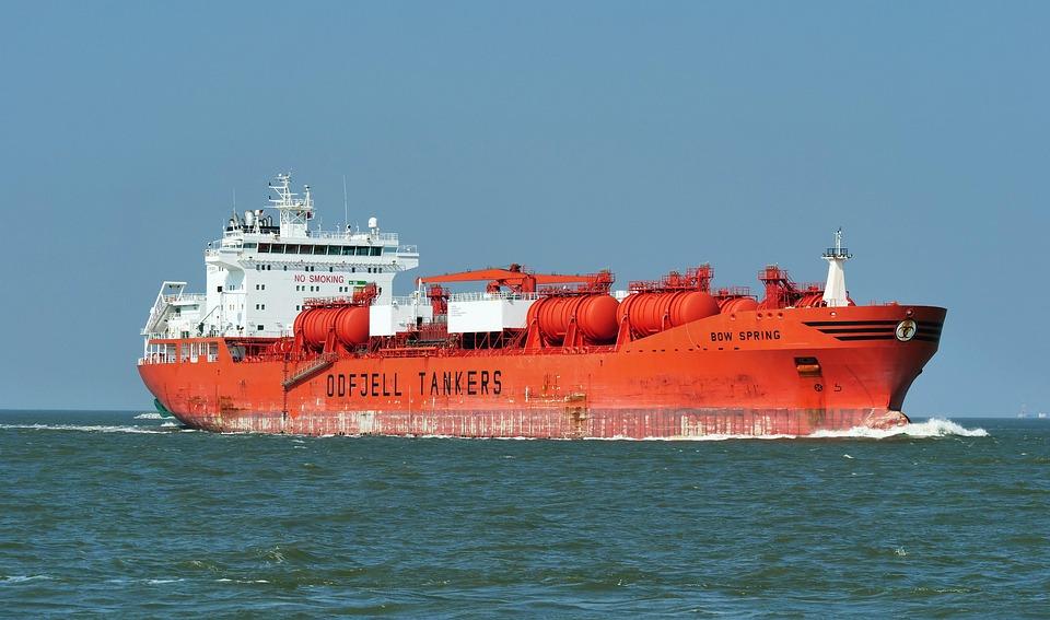 船舶, タンカー, 北の海, 口のエルベ川, 船首波, 送料, 交通機関, 供給, エルベ川