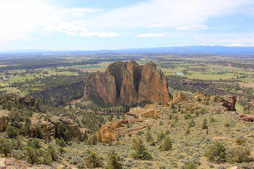 Smith Rock, Eastern Oregon, Trail