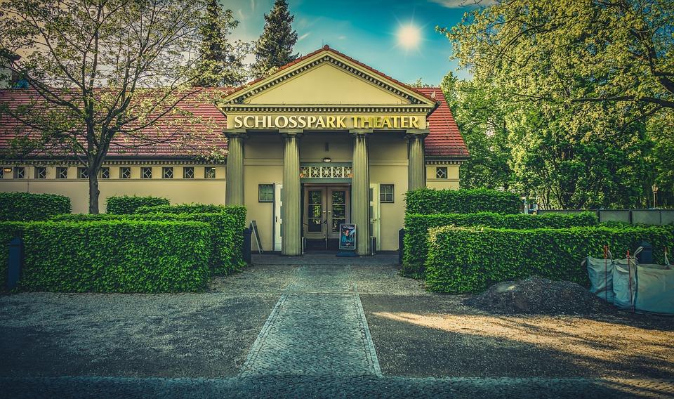 Theater Berlin Fassade Kostenloses Foto Auf Pixabay