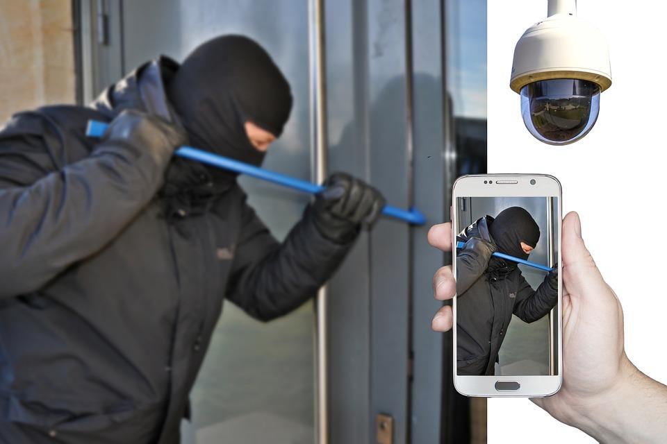 Burglar, Burglary, Surveillance Camera, Smartphone, App