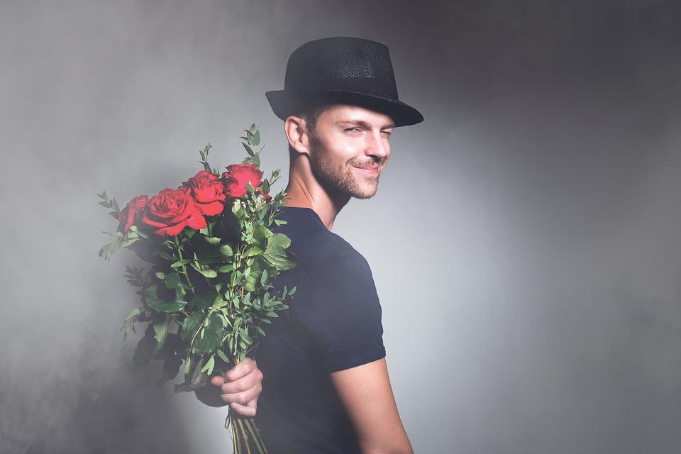 男, 花, ロマンス, 若いです, 幸せ, 幸福, 花束, 愛, 驚き, ギフト, バレンタイン