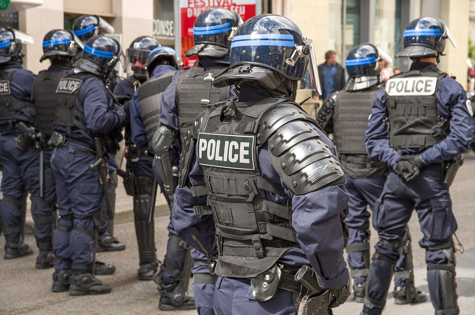 France, Policiers, Sécurité, Manifestation, Casques