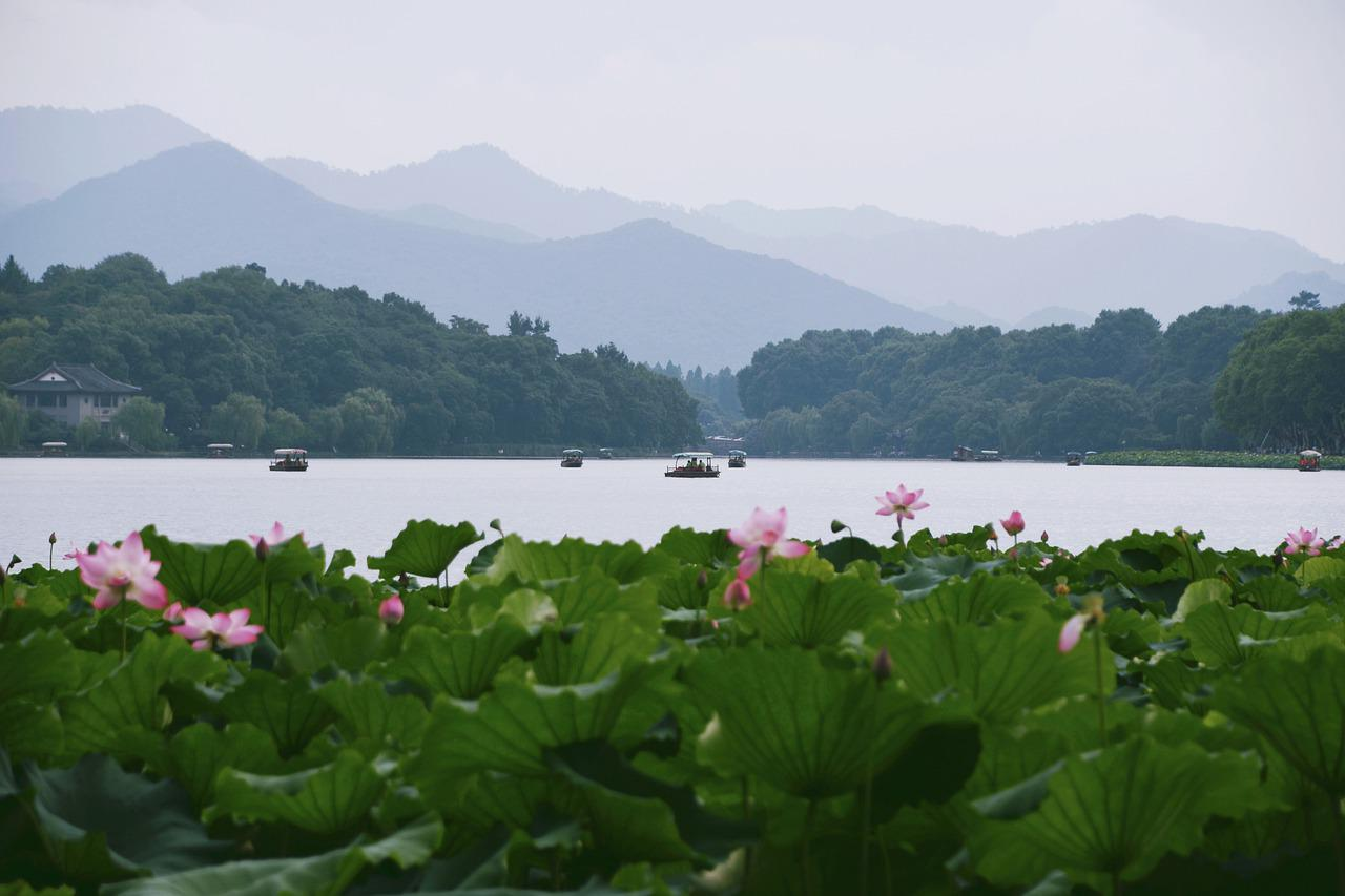 If you decide to teach English in Hangzhou, make sure you make the most of the beautiful West Lake.