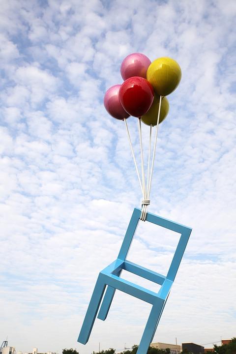조형물, 풍선, 의자, 파란하늘, 흰구름, 풍경, 희망, 야외, 자유