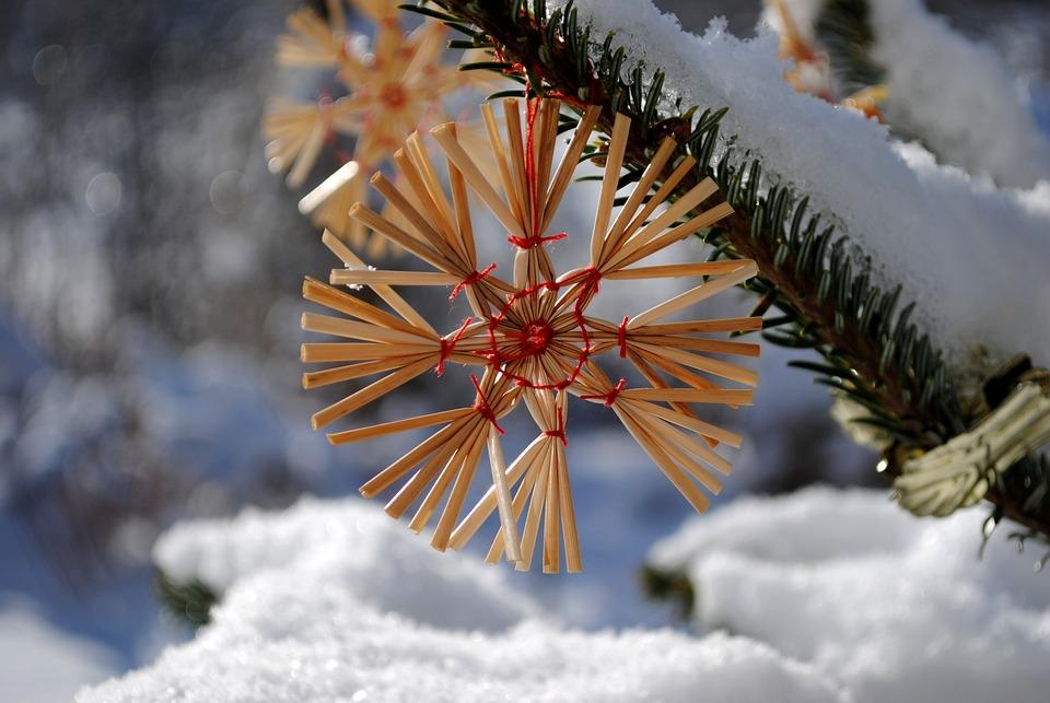 Weihnachten 2019 Schnee.Strohstern Weihnachten Schnee Kostenloses Foto Auf Pixabay