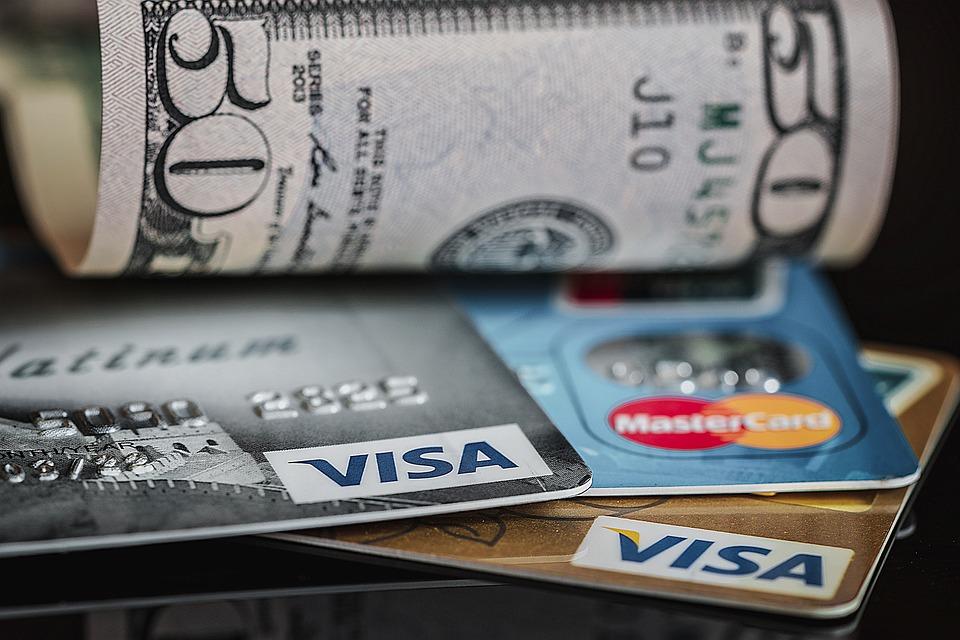 Кредитная карта: основные преимущества и недостатки