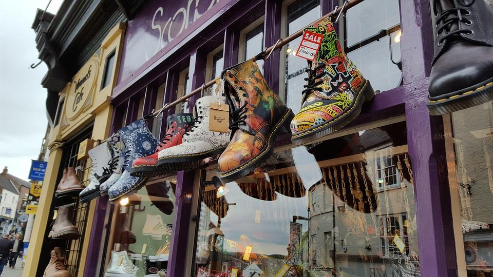 watch 8f02a e93c1 Schuhe Bunt Geschäft - Kostenloses Foto auf Pixabay
