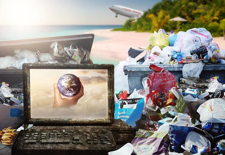 Garbage, Paradise, Sun, Aéronefs, Montagne De Poubelle