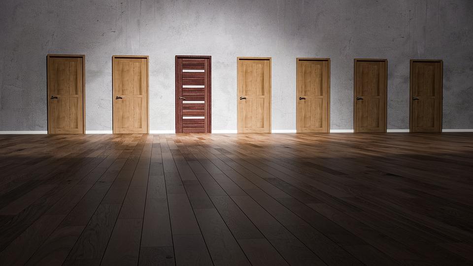 たくさんのドアの中の選択肢