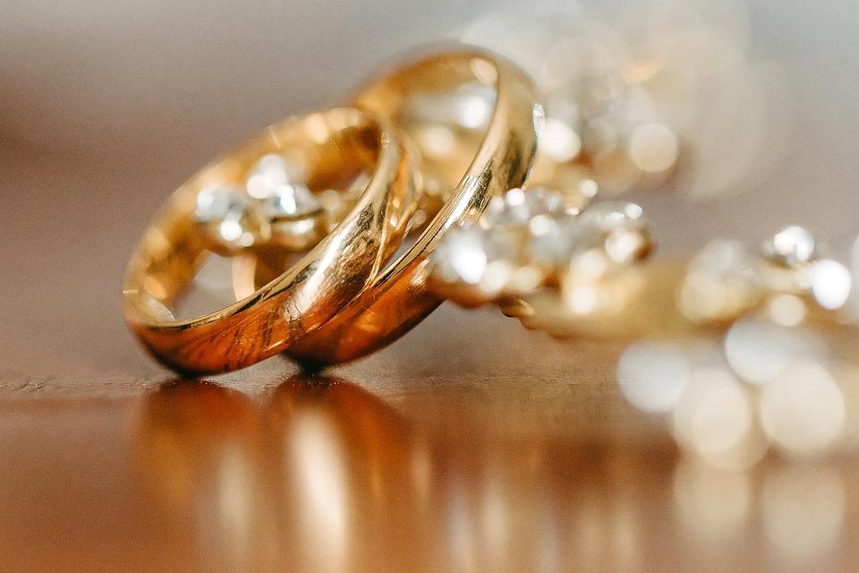 Какую свадьбу отмечают супруги через 6 лет после бракосочетания