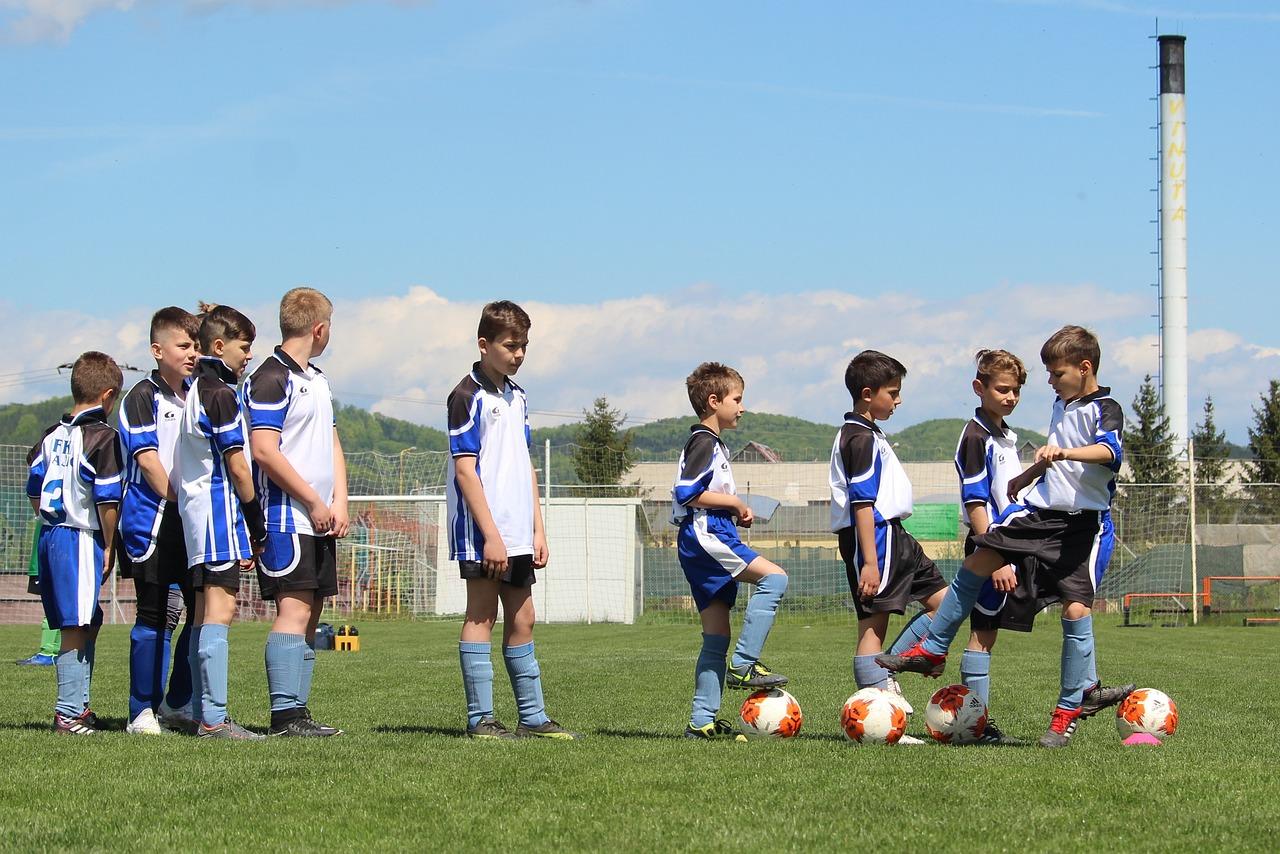 jaki strój piłkarski dla dziecka wybrać