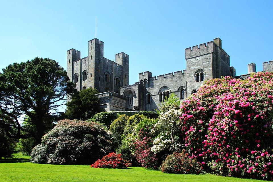 """Résultat de recherche d'images pour """"Penrhyn Castle wales"""""""