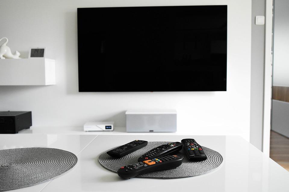 Set top box a TV