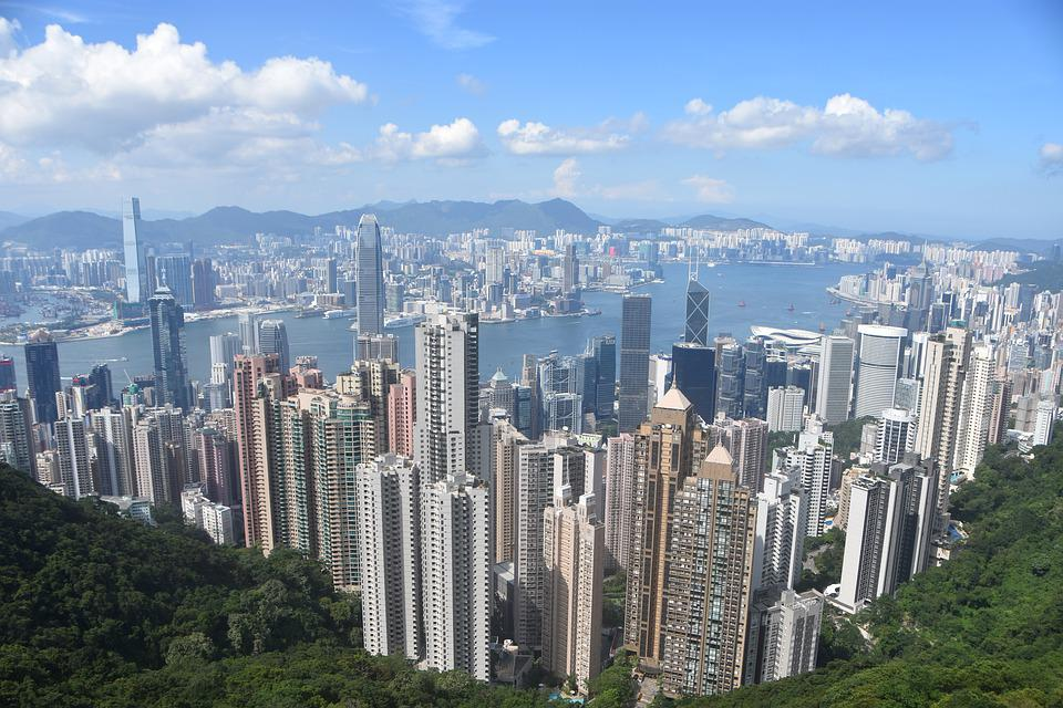 Get a view of Hong Kong's skyline with your family! Source: Pixabay