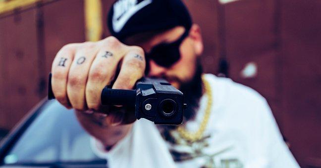 Autodefensa, Armas, Pistola, Riesgo