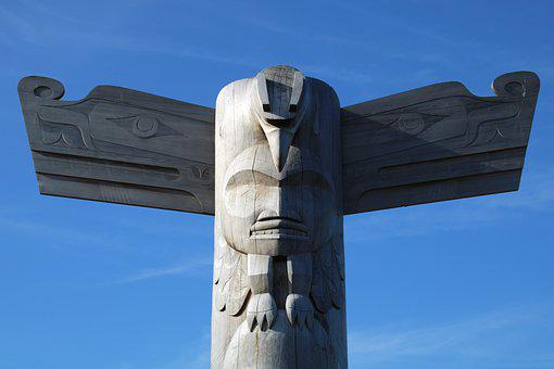 Totem Pole, Vancouver Island, Tofino