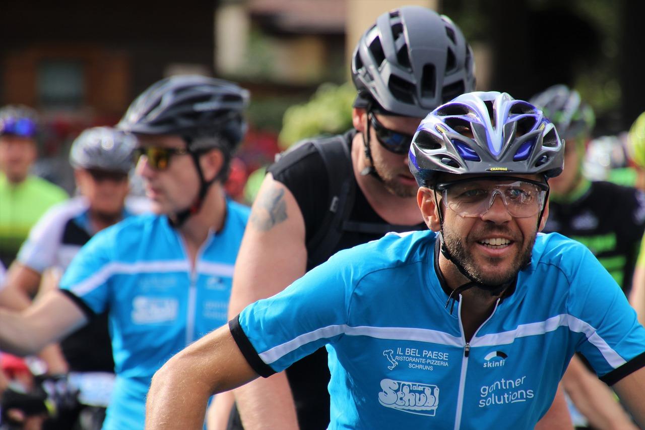"Cyklist erkänner: ""Ja, hellre hjärnskada än hjälm"""