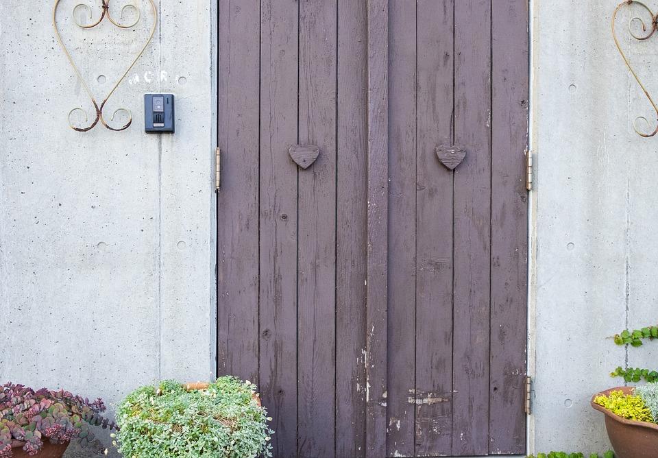 ドア, 白い, 紫の, 赤紫色, 煙突, 暖炉, 綺麗, 人間, 個性的, リリース, お年寄り, 男