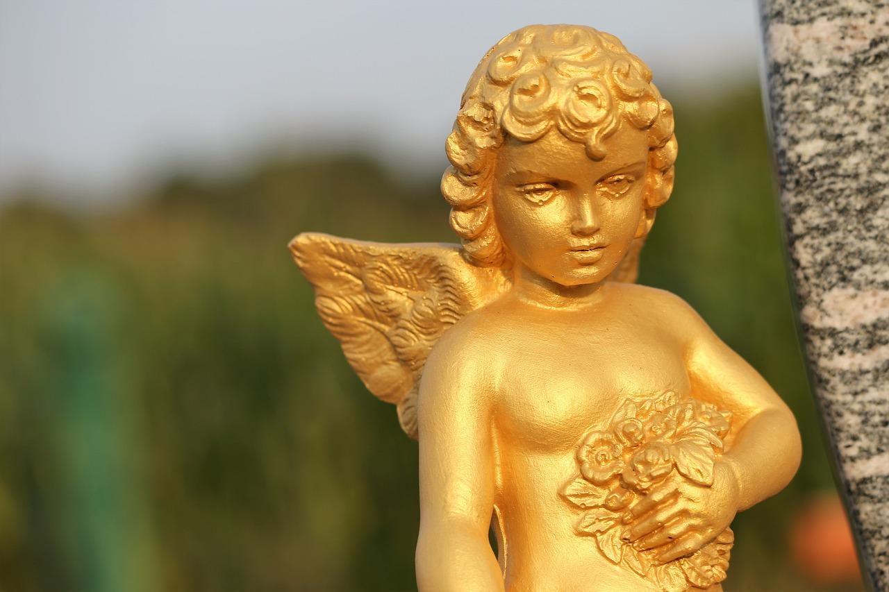 страшной картинки золото ангелы переводе арабского языка