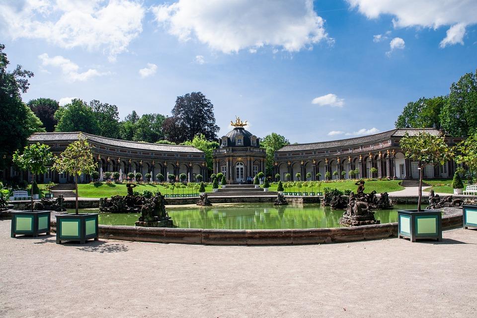 castle 4436776 960 720 » 10 wunderschöne Reiseziele für ihren Urlaub in Deutschland