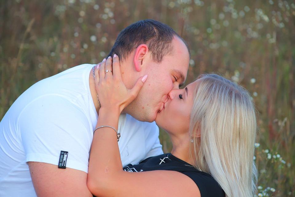kärlek uppvaktning och datingDating lagar Washington staten