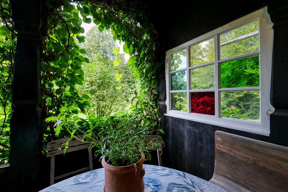 自宅のベランダをお洒落に大改造!人工芝で流行りのべランピングを楽しもうのサムネイル画像