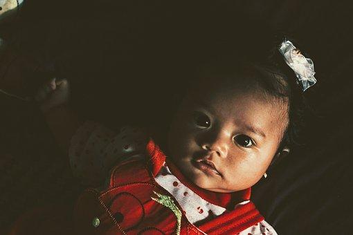 小心小儿抽动症 宝宝频繁眨眼可能是这几个原因