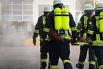 sprzęt przeciwpożarowy, ster, strażacy