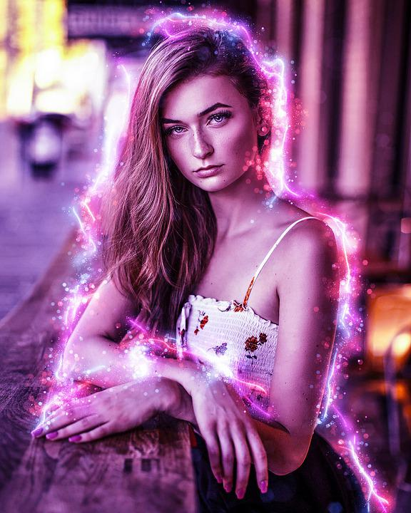 Hübsche frauen bilder Hübsche Frau