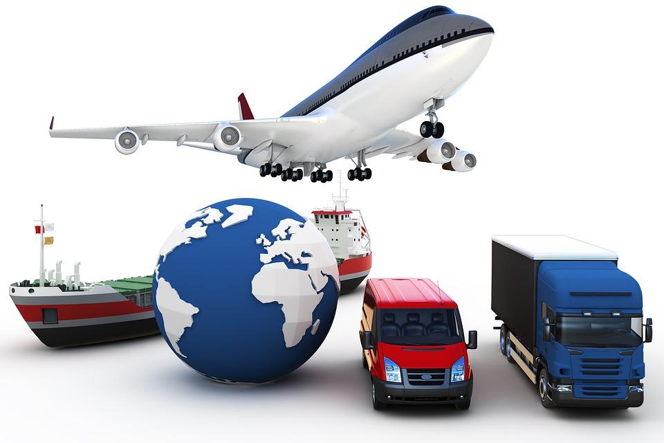 Grafische Darstellung, die ein Flugzeug, einen LKW, einen Transportwagen und ein Schiff zeigt
