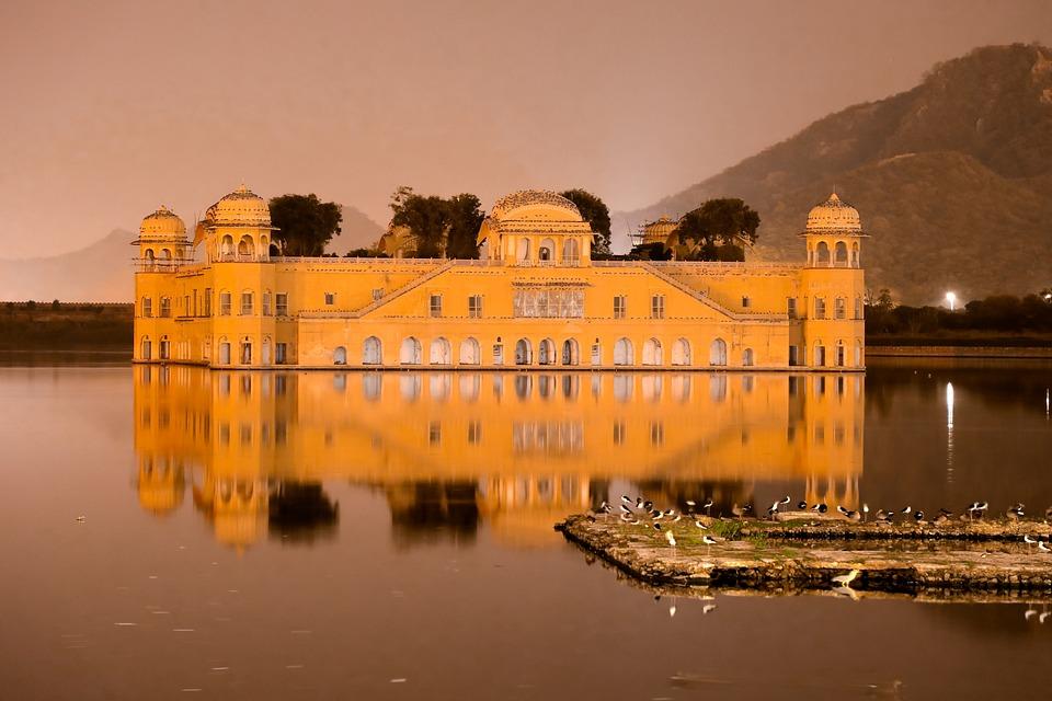 Jaipur A beautiful destination for historical tour