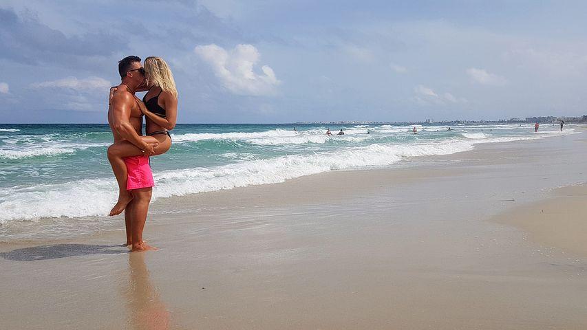 beach-4515045__480.jpg