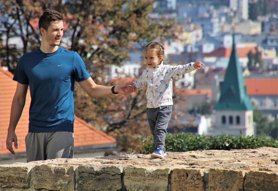 Vater, Ein Kleines Mädchen, Liebe, Mur, Bewundernswert