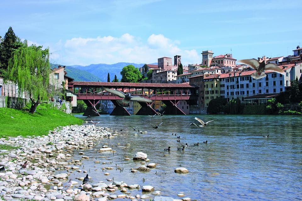 bron över floden