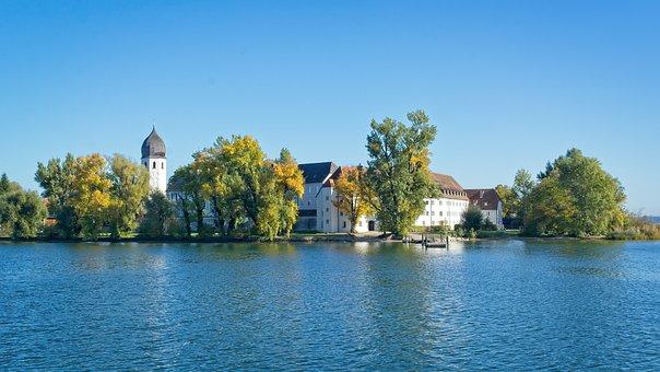 Sagenhafter Chiemsee - das Kloster