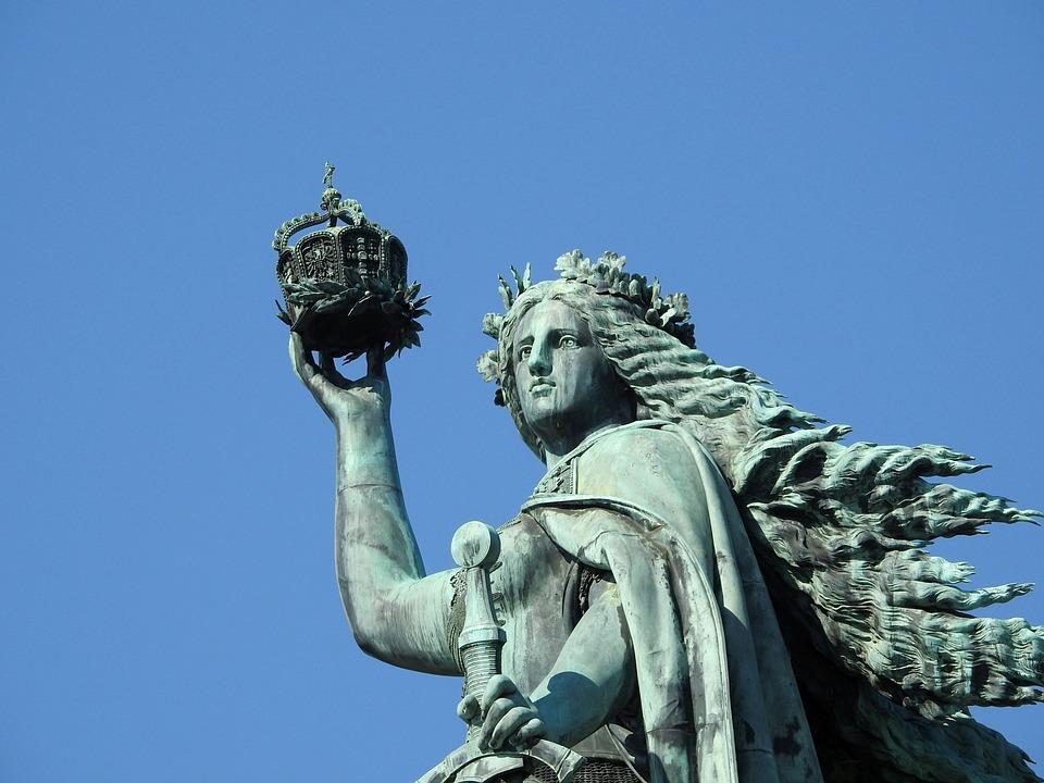 https://cdn.pixabay.com/photo/2019/10/23/19/57/the-niederwalddenkmal-4572714_960_720.jpg