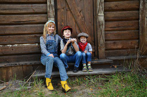 Family Children, Family, Porch