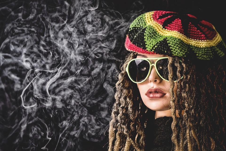 Vrouw, Smoke Pot, Roken, Drugs, Rook, Stoner