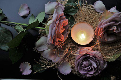Candle, Bouquet, Symbol, Always, Rose Know more about the days leading up to Valentine's day like Rose Day, Chocolate day and Anti-Valentine's day like break up day, slap day and more.